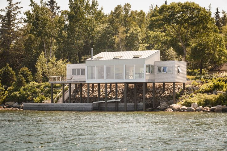 Gallery of House over the Water / Elliott + Elliott Architecture - 1