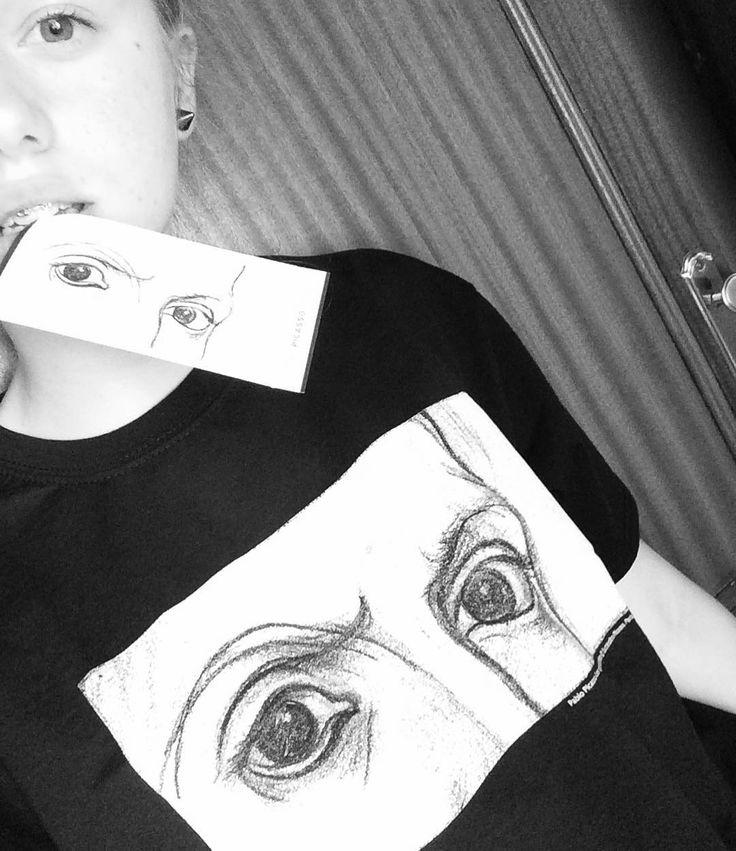 """Foto de @alexandra_zehrim en Instagram / Szatanie Przebluźnierczy, brat mówił """"eh ja też umiem malować jak Picasso""""... Co za ignorancja jebana i zlekceważenie dla sztuki współczesnej. Smaczny bilet z muzeum Pabla Picassa mam.  #polishgirl#girl#slavicgirl#blackandwhite#selfie#me#pablopicasso#picasso#modernart#art#museopicassomalaga#malaga#spain#holidays#losojosdelartista"""