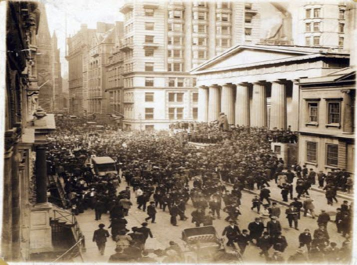 On October 22, 1907 in leadership history in 1907, The Panic of 1907 began when depositors began withdrawing money from many New York banks. What's the leadership lesson? Learn now how you can lead with honor during times of crisis. What are the important attributes of crisis leadership?   (Lee Ellis and Leading with Honor Leadership History)