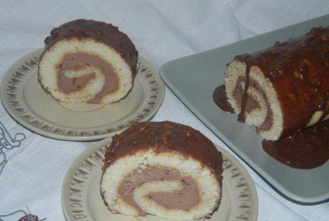 Retete Culinare - Rulada din albusuri cu crema de ciocolata