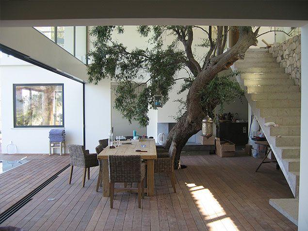 Betontrap nieuwbouw villa Griekenland, ontwerp BNLA architecten