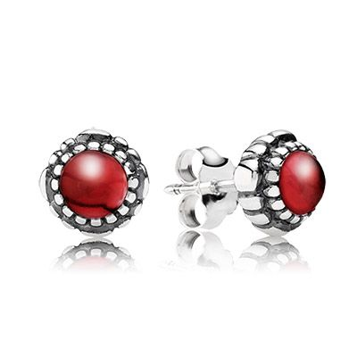 PANDORA sterling silver stud earrings with stunning garnet gemstones. The rich red color makes them perfect for Christmas. #PANDORAearrings