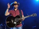 2013 CMT Music Awards: Crazy Moments With Jason Aldean, Kellie Pickler and More