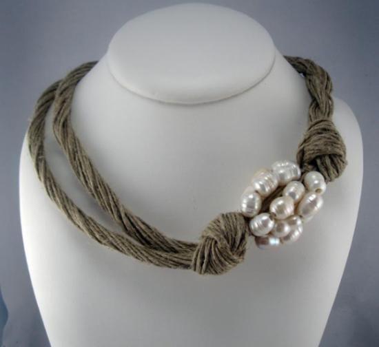 Collar lino natural cluster perlas naturales trenzado