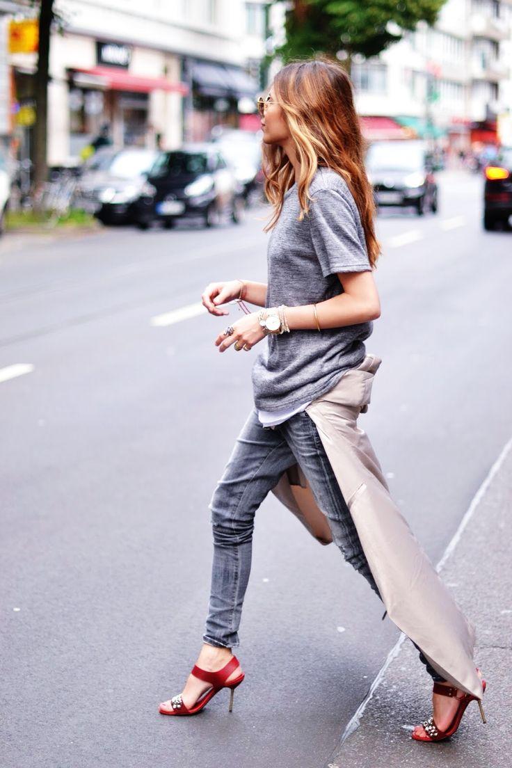 Grey tee with heels. #tshirt #jeans #fashion