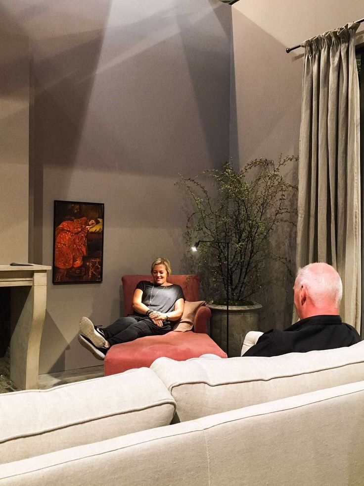 vt wonen&design beurs woonkamer bank chaise longue haard gordijn