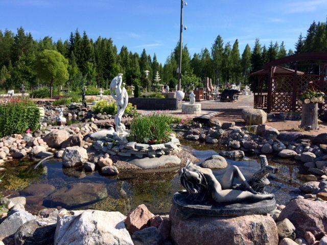 Suihkulähde puutarha Kivapihalla