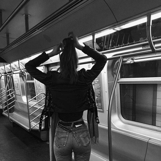 Parisienne: GO FIND YOURSELF