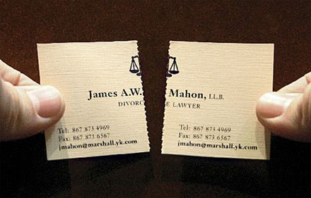 Un exemple de carte de visite prédécoupée (et donc détachable) : deux pour le prix d'une !Creative Business Cards, Divorce Lawyers, Carts To Visit, Creative Cards, Cool Business Cards, Smart Design, Lawyers Business, Business Cards Design, Design Blog