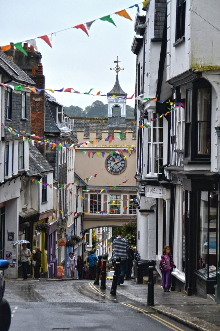 Totnes High Street, Devon.... my favourite local place to shop