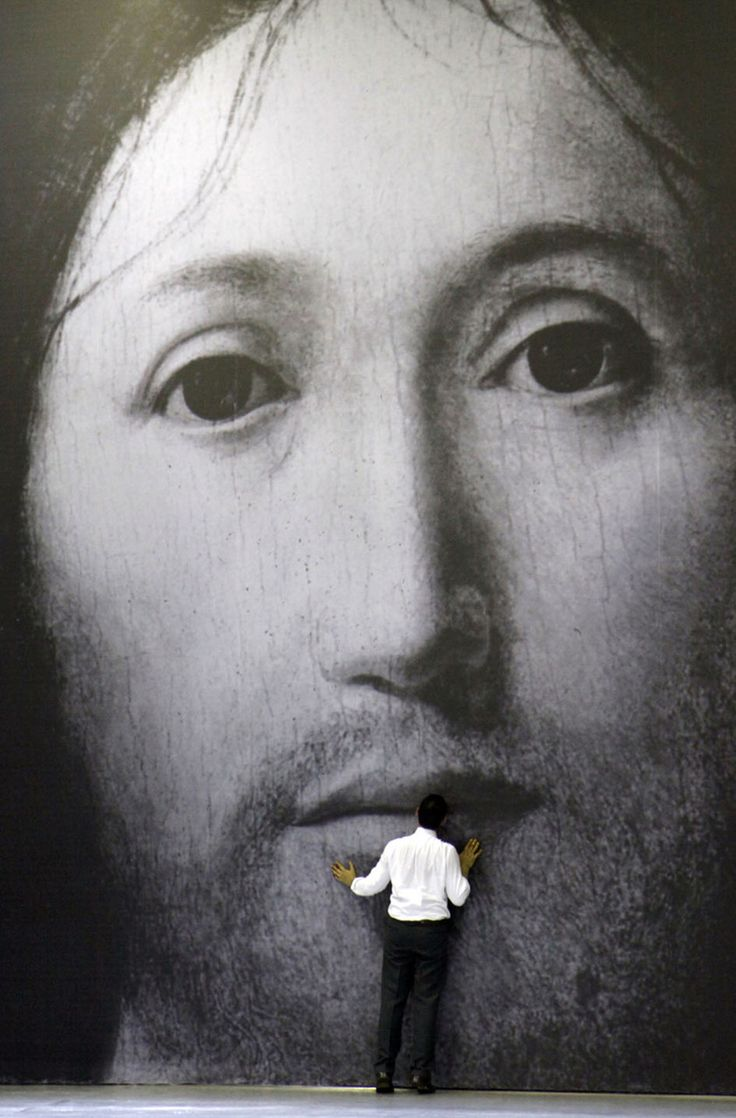 Socìetas Raffaello Sanzio,Sergio Scarlatella performance On the Concept of the Face, Regarding the Son of God