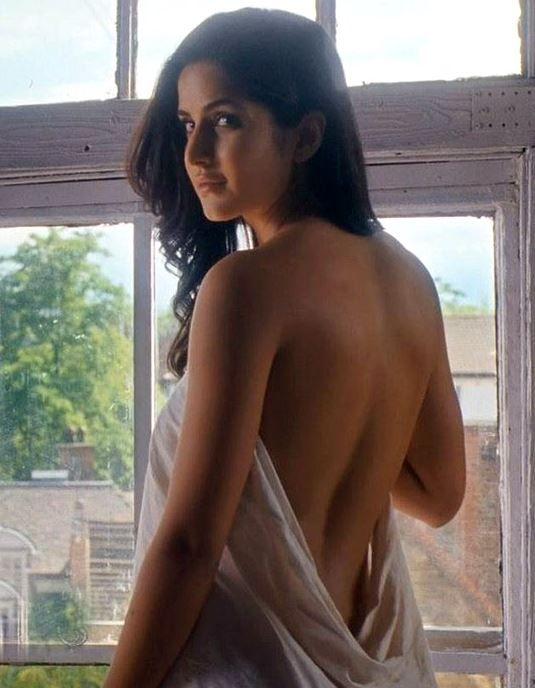 Katrina Kaif Braless Bare Back  Bollywood Actress -1603