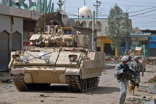 m2-m3-bradley-fighting-vehicle-08