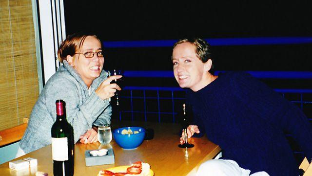 Søstre med vin