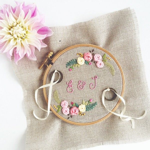 "Embroidered ring pillow ""Floribunda"" with pretty flowers for your Boho Wedding - made by hand // available on Etsy via MyPurpleGrapefruit or through my own shop zurlilapampelmuse.com ♥"