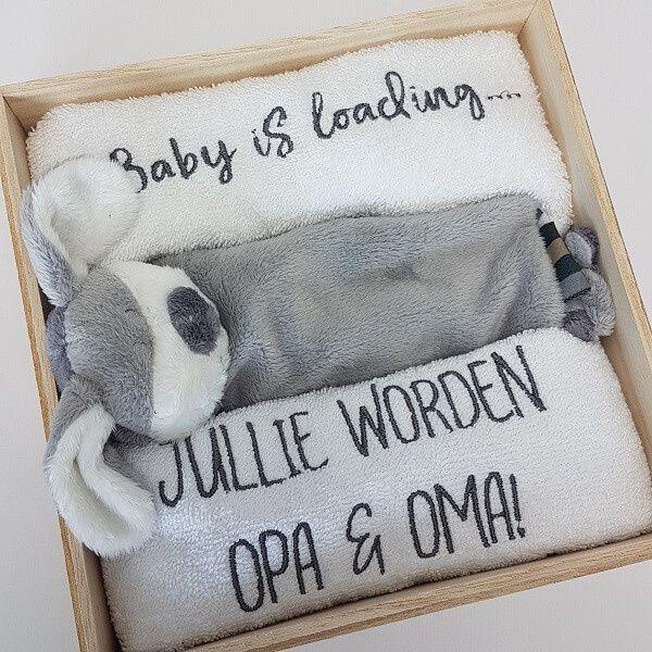 Spiksplinternieuw Houten giftbox   hoera opa en oma   persoonlijk cadeau (met SO-97