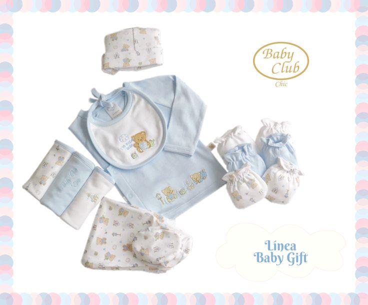 Básicos para el Recién Nacido Set de Polo Cruzado con Pantalón y Gorro, Pack de Babitas y Mitones Jugando con mi Carrito by Baby Club Chic.