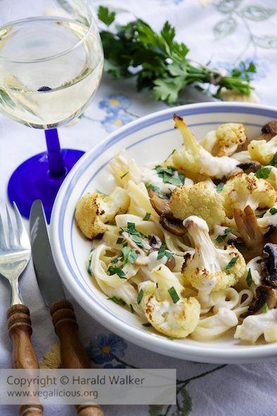 #Vegan Pasta Alfredo with Roasted Cauliflower and Mushrooms