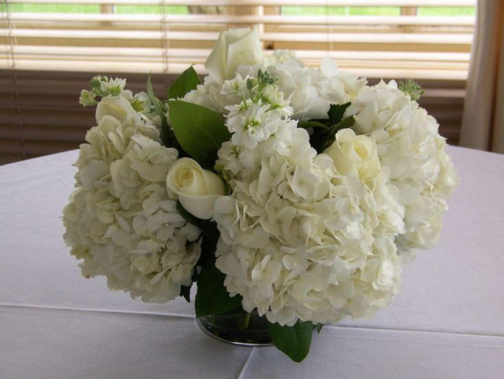 Best inspiration white floral arrangements images