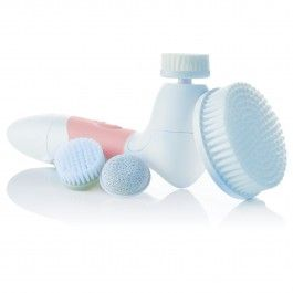 A clean face is essential for radiant skin. A powerful and safe rotary action gently spins the head of the Spin for Perfect Skin Face & Body Cleansing Brush to thoroughly cleanse, exfoliate, and lift dirt & oil trapped in pores.