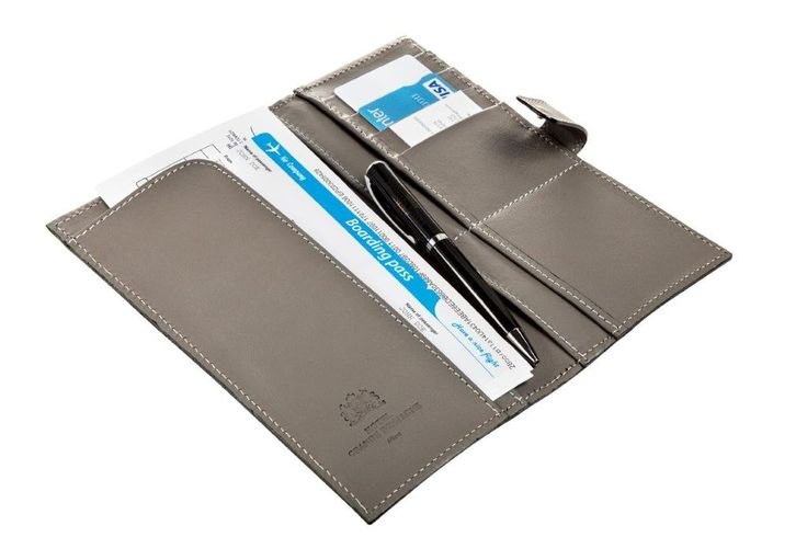Ergonomic, aesthetically pleasing, this leather, jewel-like travel document case is a precious accessory for everyone who travels regularly, for business or for pleasure.