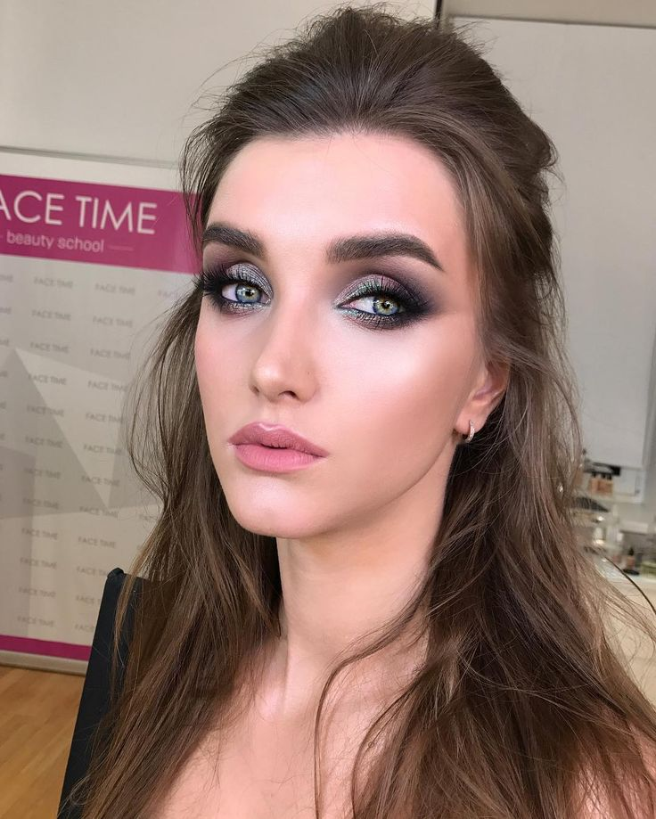 "890 Likes, 24 Comments - Школа макияжа FaceTime СПб (@sofia_baburina) on Instagram: ""Кошечка Настя. Работа с индивидуального занятия  #cosmetics #fashion #eyeshadow #lipstick #mascara…"""