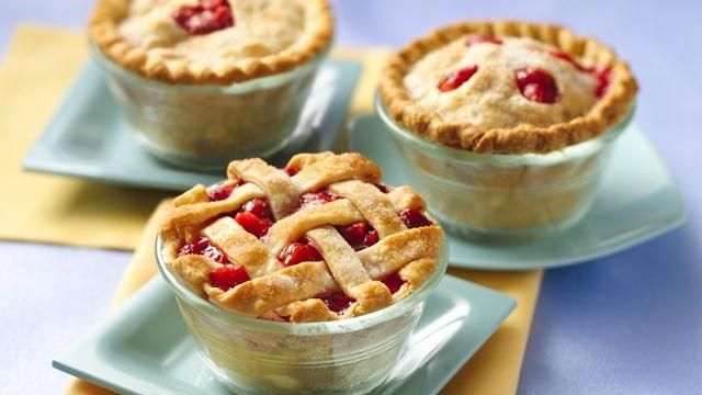 Treat your family with these strawberry-rhubarb mini pies made using Pillsbury® pie crusts - a delicious dessert.