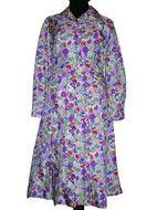 http://www.vintagewardrobe.ro/cumpara/rochie-din-matase-cu-flori-violet-anii-60-2770034 ROCHIE DIN MATASE CU FLORI VIOLET ANII '60