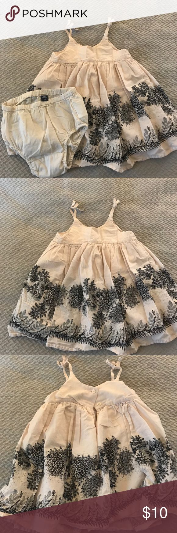 Baby Gap Dress Baby Gap dress in excellent condition, worn once. Dresses