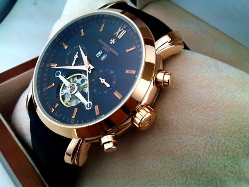 Fantastic Men's Watch. Great details are priceless to any outfit!