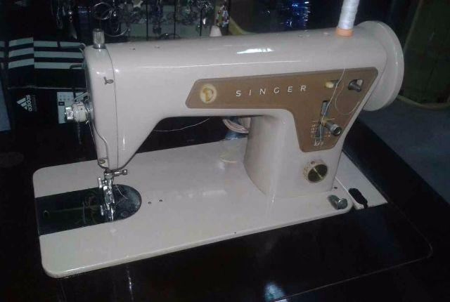 Maquina de costura singer 660 com gabinete perfeito