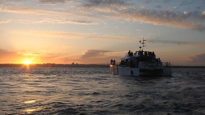 Une croisière au coucher du soleil au Portugal, à ne pas manquer !