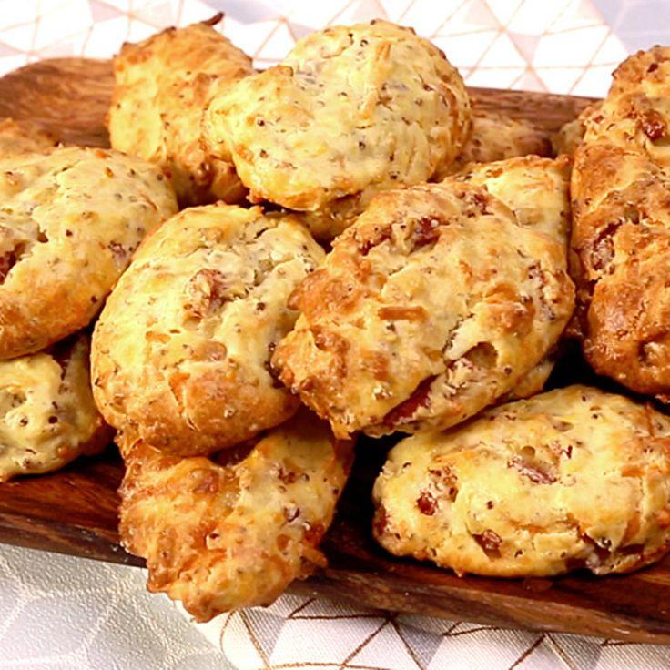 Zutaten: 150 g Mehl 40 g Butter 100 g Hüttenkäse 0.5 Pkg. Hefe 1 EL feiner Senf 2 EL körniger...