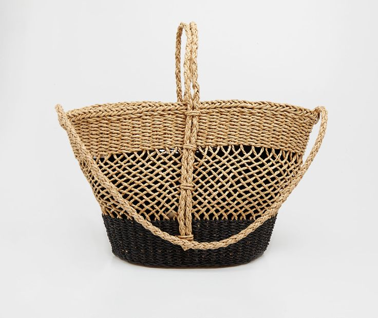Straw bag from Oysho  #style #bag #basket #straw #woven #tote