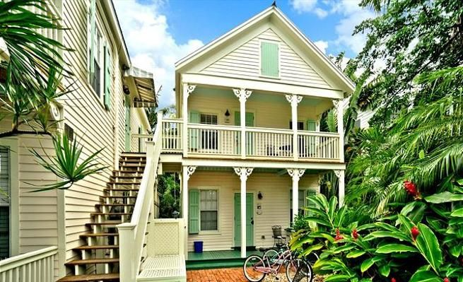 Pet Friendly Condo with Private Pool & Hot Tub -VaycayHero