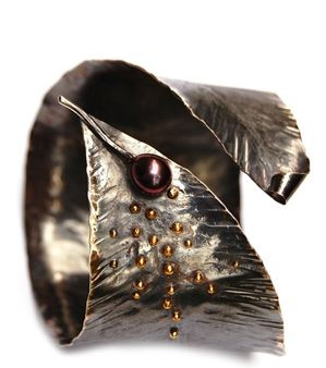 Designer jewelry made of fair trade gold