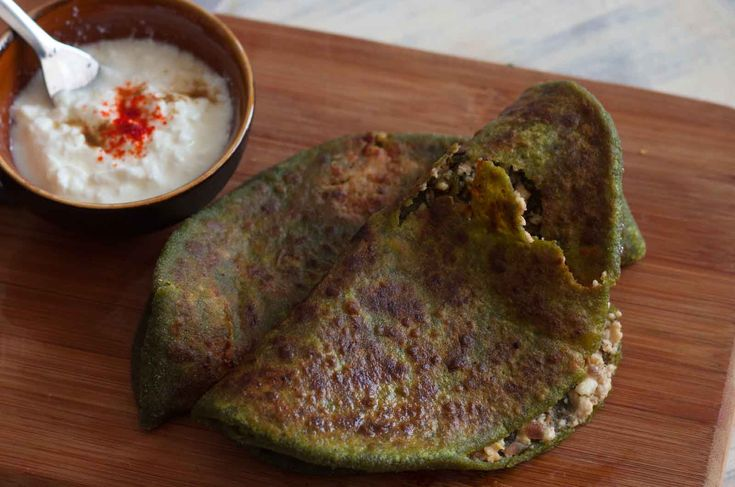 Palak Paneer Stuffed Paratha Recipe