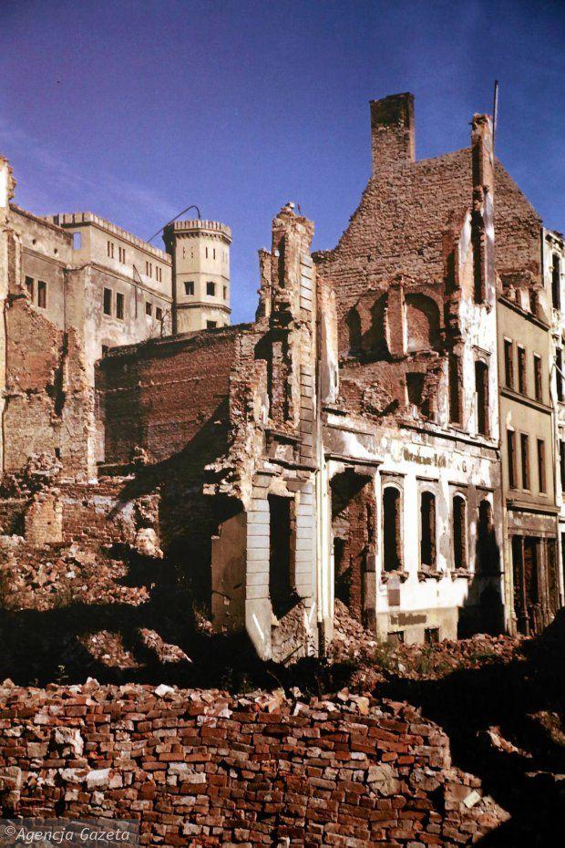 Zdjęcie numer 32 w galerii - Polskie miasta w powojennej ruinie. Unikatowe zdjęcia amerykańskiego studenta