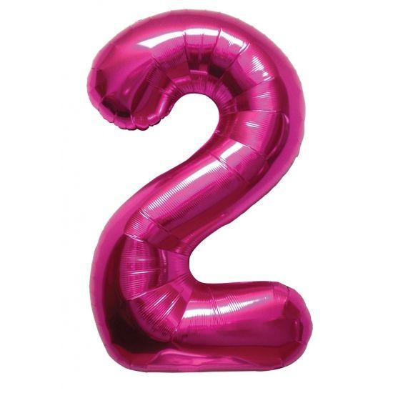 Cijfer 2 ballon roze. Een rozekleurige folie ballon in de vorm van de cijfer 2 om zelf op te blazen. De ballon is opgeblazen ongeveer 86 cm groot. U kunt de ballon heel gemakkelijk met een ballonpomp opblazen. U kunt de ballon ook zelf vullen met helium welke bij ons in tankjes verkrijgbaar zijn. De ballon wordt dus zonder helium geleverd. Met een helium tank van 30 ballonnen kunt u circa 4 ballonnen vullen en met een helium tank van 50 ballonnen kunt u circa 6 a 7 ballonnen vullen.