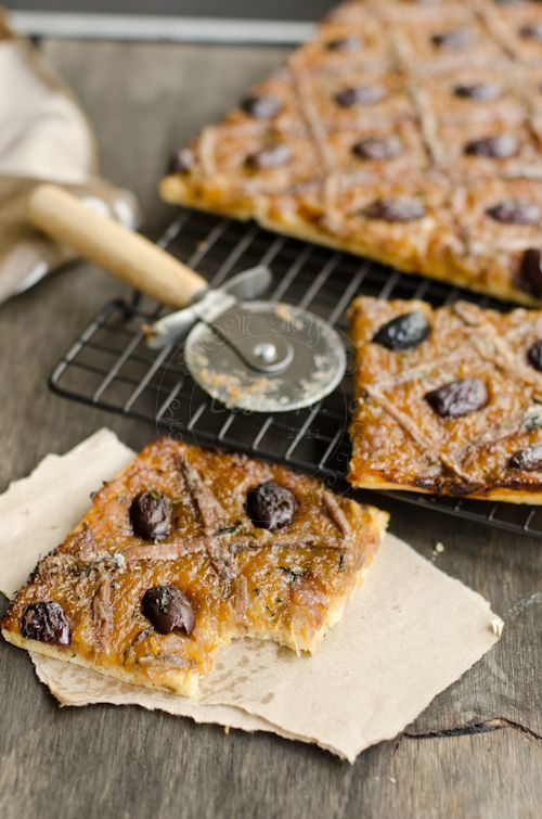 From My Lemony Kitchen ....: French ~ Pissaladiere OMG FABULOSITY!!!! I think I could eat this w/every single meal or as an appetizer!!! This is similar to Italian sfincione (or sometimes called Sfinguini too)... AMAZING!!!