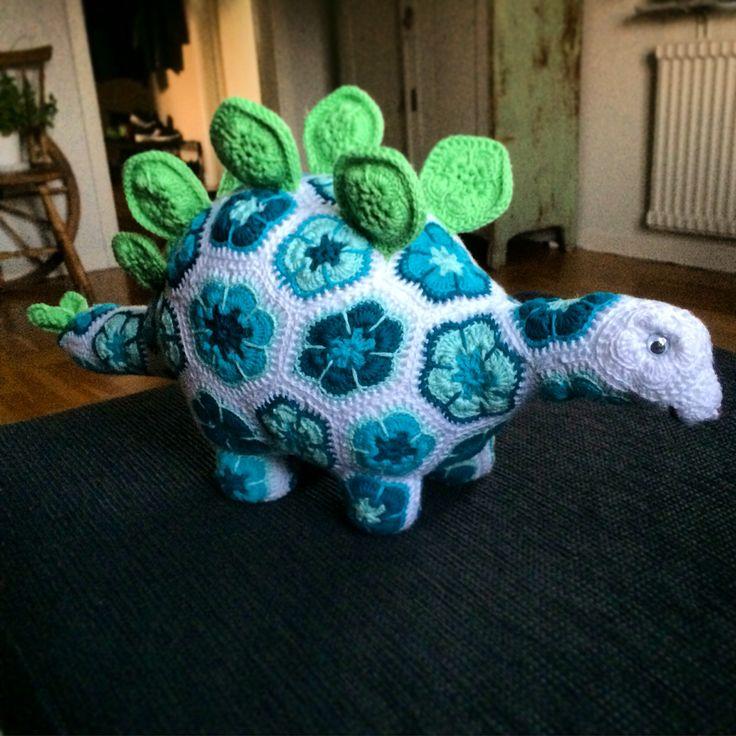 Virkad #dinosaurie mönster av #heidibears #crochet