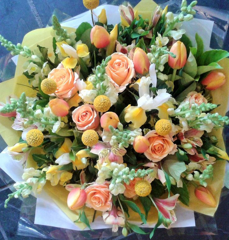 Yes for Yellow! #tulips #roses #bunch #yellow #flowers