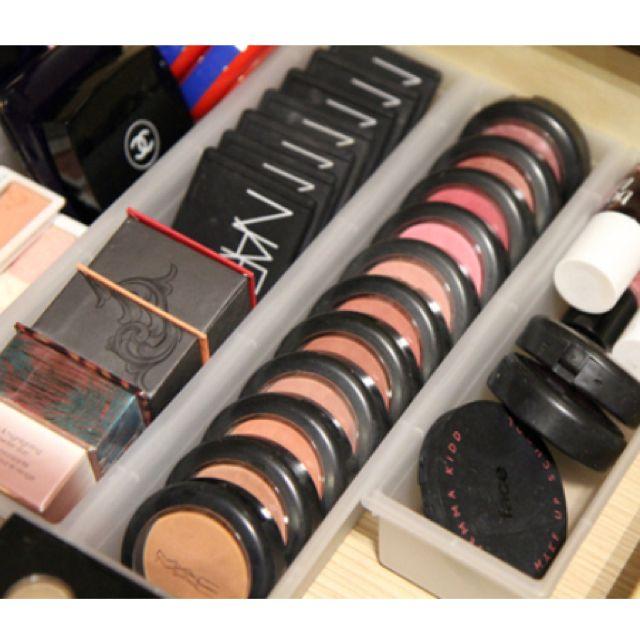 Plastic drawer dividers for makeup organization