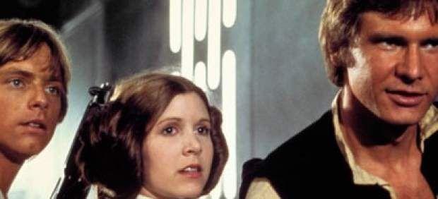 "Carrie Fisher anima a Harrison Ford tras su accidente y bromea: ""¿Piloto yo la próxima vez?"""
