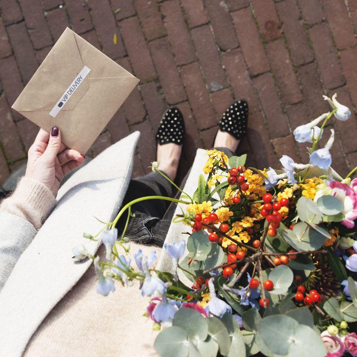 TheGiftLabel: VIP Delivery #PostCard #SendSomeLove #BeautifulFlowers #TGL #Amsterdam #Pinterest