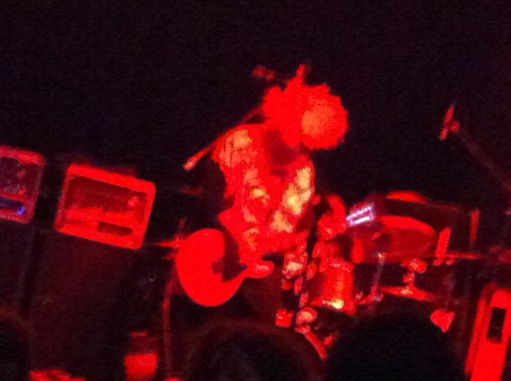 Buzz Osbourne, Melvins, earlier tonight. Westcott Theater, Syracuse 8.26.16 Random thoughts about the show: Loved the Kiss cover 'Deuce' early in the set. 'Night Goat' was gloriously beefy and brutal. Steven McDonald kills on the bass. They ripped my...