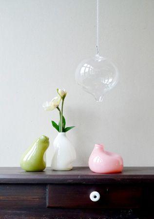 gum vase - olive, beige, pink