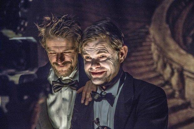 Frank Castorf, Die Kabale der Scheinheiligen. Das Leben des Hern de Molière © Just Loomis. Un article de René Solis