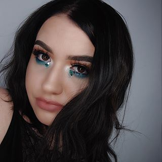 Eyes: @morphebrushes x @jaclynhill palette #morphexjaclynhill   Brows: @anastasiabeverlyhills #dipbrowpomade dark brown   Face: @diormakeup #diorskin star 012  @katvondbeauty lock-it concealer creme L3   @toofaced #milkchocolatesoleil bronzer  @lauramercier #translucent powder  Highlight: @beccacosmetics moonstone  Lashes: @beautylashespl Holly  Lips: @soiree_cosmetics Tammy   #mua #makeup #selfie #polishgirl #muapl #makeupartist #makeupaddict #girl #makeupforbarbies #abhbrows