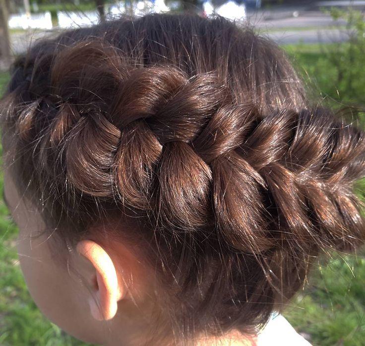 Голландская объемная коса на боку. // Voluminous dutch braid. https://www.youtube.com/watch?v=oKuwZMY9Uus
